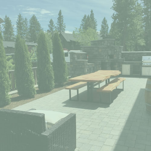 Outdoor Kitchen & Pizza Oven