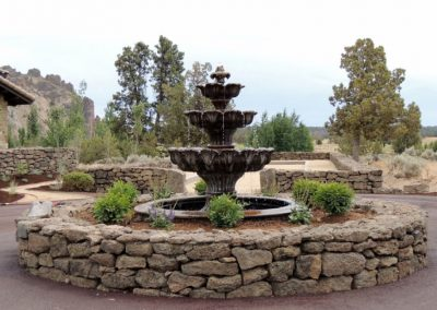 Smith-Rock-Tuscan-Fountain-Centerpiece