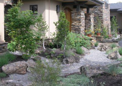 Tumalo-Entry-Garden
